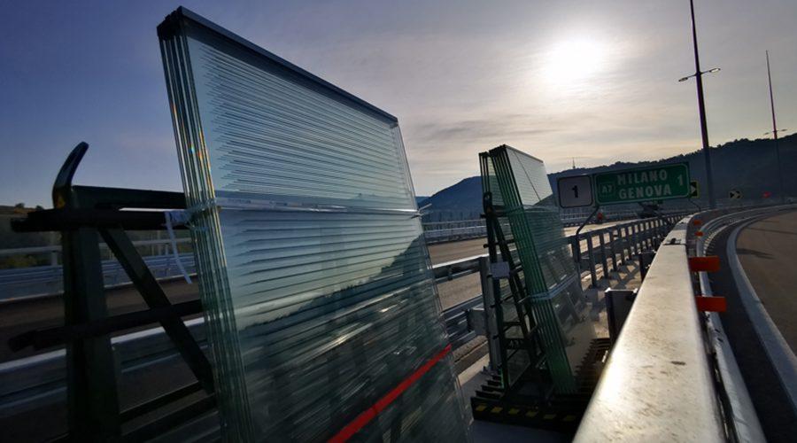 INNOVATIVE GLASS ROADSIDE BARRIER CONCEPT RECOGNISED BY HIGHWAYS UK